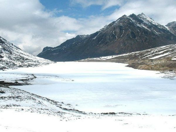 Frozen Lakes of Himalayas Beautiful Place in India