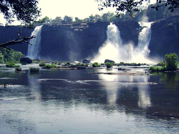 Athirapally Falls Beautiful Place in India