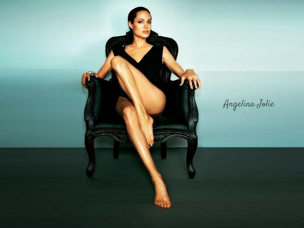 Angelina Jolie Hot And Sexy Pics angelina jolie's top 10 hot looks