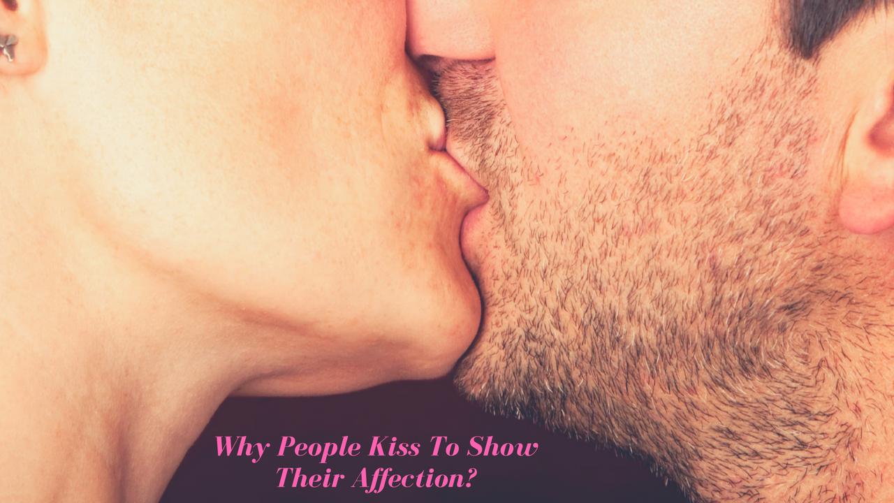 People Kiss
